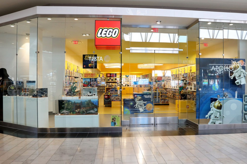 Lego Store at Ross Park Mall